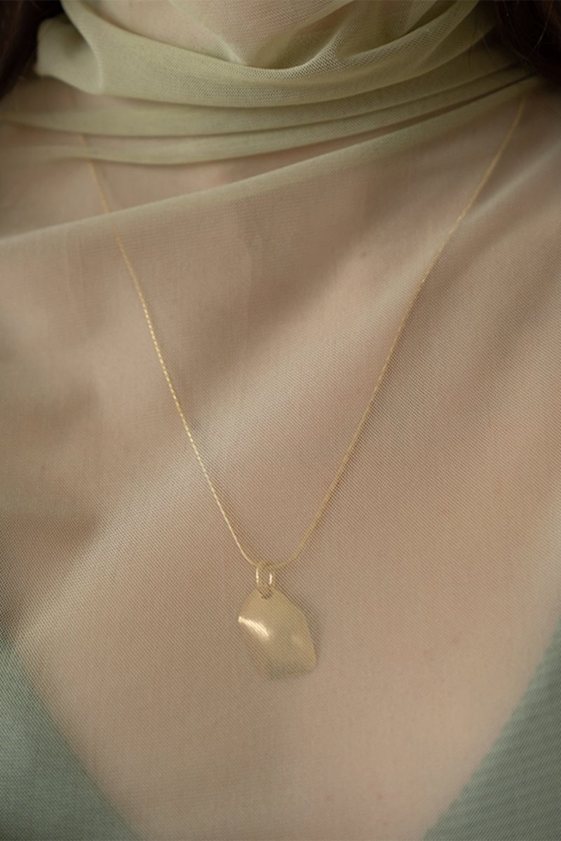 '004 COLLECTION' CONVEX FRAGMENT NECKLACE