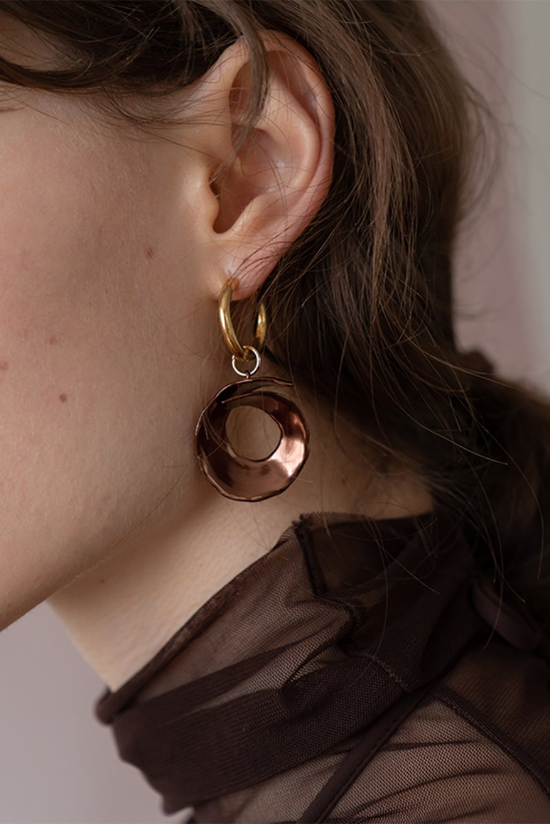 '004 COLLECTION' CONCAVE 2 WAY EARRING BROWN